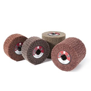 NON-WOVEN AND INTERLEAVED FLAP WHEELS WITH HOLE - CTA Calflex